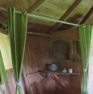 Nouvelles attaches papillons pour les rideaux qui servent de séparation (salle d'eau)